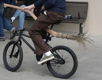 Bicicleta Escoba Voladora en acción