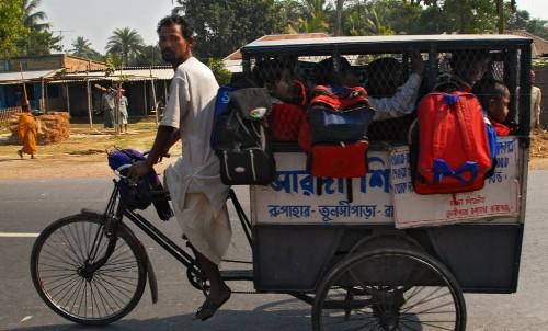 Bicicleta Escolar en India | Autor: DGHomes