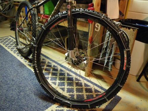 Cadenas de nieve caseras para bici | Autoría: Squirrels Cycling Lyfestyle