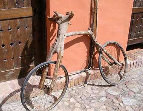 Bicicleta de rama de árbol | Autoría desconocida